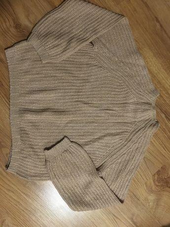 różowy sweter z półgolfem