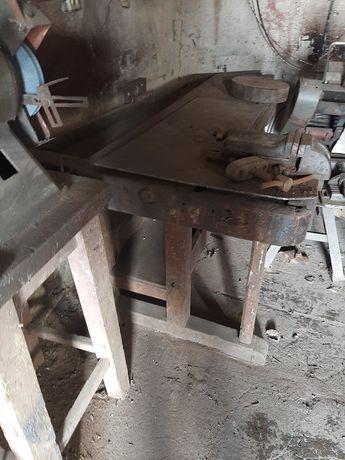 Stół  stolarski duży bez blachy widocznej na zdjeciach