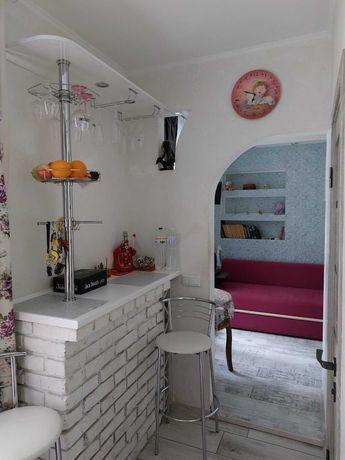 Продаж двокімнатна квартира вул. Маланюка (біля пр. Шевченка)
