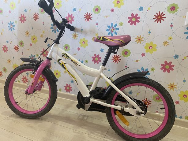 Велосипед детский для девочки от 4-6 лет.