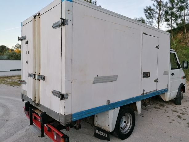 Contentor frigorífico com motor de frio