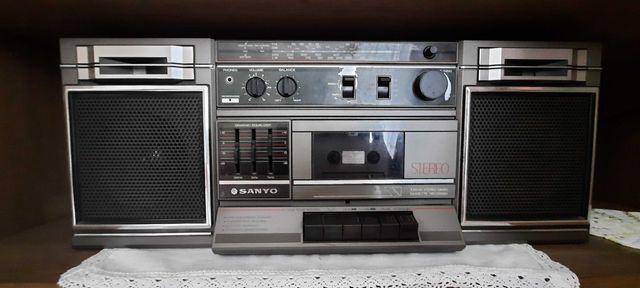 Radio magnetofon sprawny