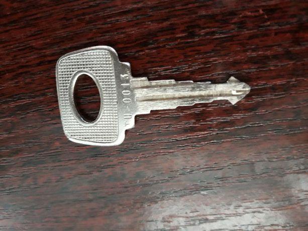 Продам для дверей ВАЗа ключ.