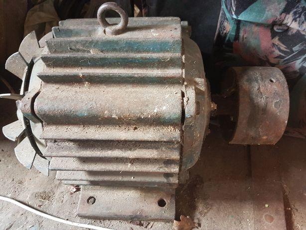 Silnik 4kw z dużą szajba