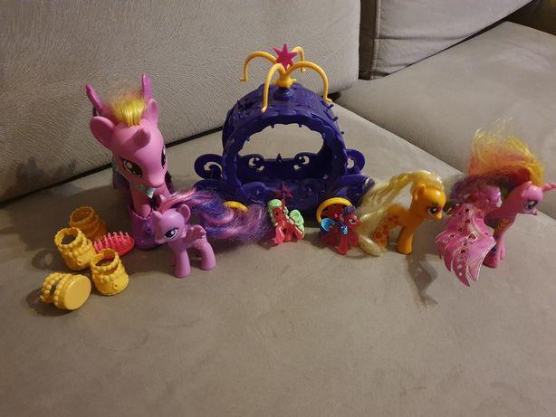 Zestaw koników My Little Pony z karocą