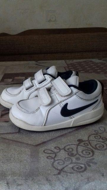 Взуття для хлопчика кросовки