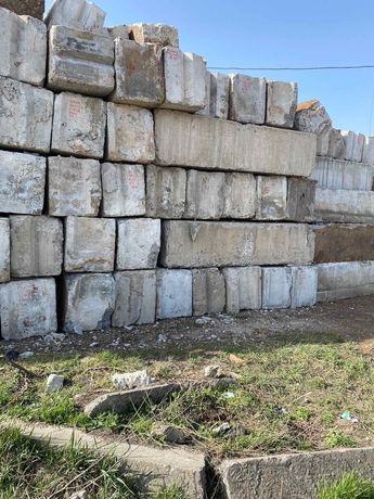 Блоки фундаментные,Плиты перекрытия,кирпич,Плиты дорожные,заборные