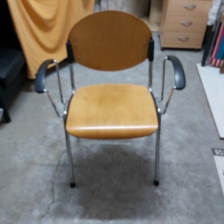 Cadeira escritório/clinica cor castanha e preta