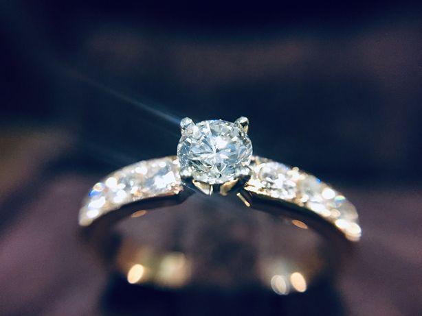 Золотое кольцо с Бриллиантами 0.70 карат.