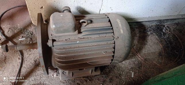 Silnik elektryczny 7.5 kw 2980 obr/min