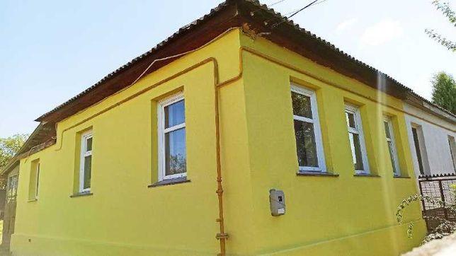 На Казбете, ухоженные 1/2 дома по ул. Можайського, есть заезд .