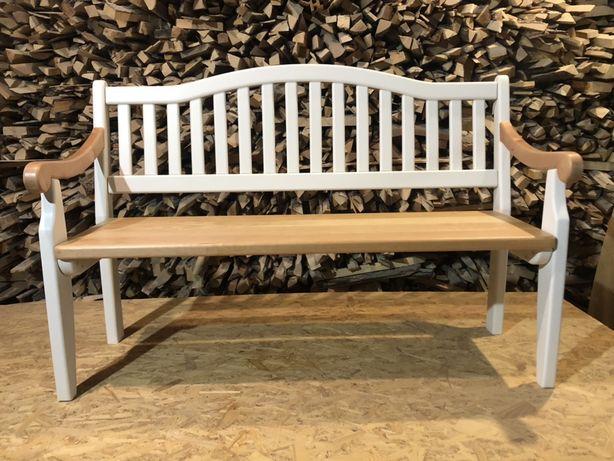 Лавка, скамейка деревянная.