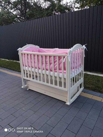 Дитяча кроватка,ліжечко з маятником+матрац,постіль,охранка,подушечка
