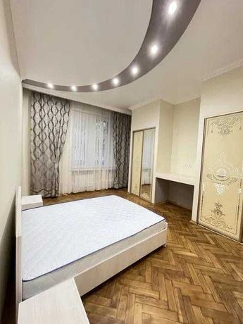 Оренда 2 кім. квартири на вул. Роксоляни
