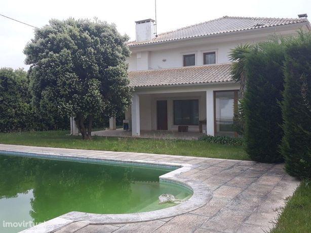 Moradia M5, c/ piscina em Buarcos (Imóvel da Banca) (V410PL)
