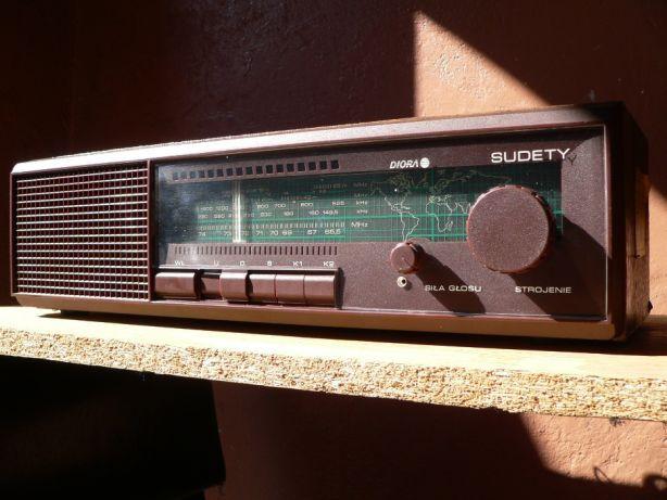 Odbiornik radiowy Diora Sudety.
