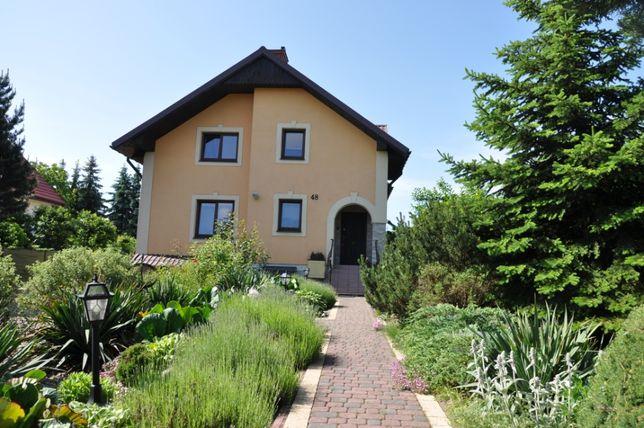 Sprzedam dom w Chełmie 141 m2 plus 70 piwnica z garażem , os.Bazylany