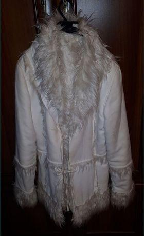 Kozuszek biały ładny