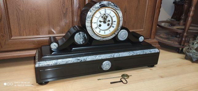 Bricot na rubinach Wspaniały wielki zegar kominkowy