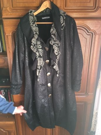Elegancki płaszcz damski przejściowy