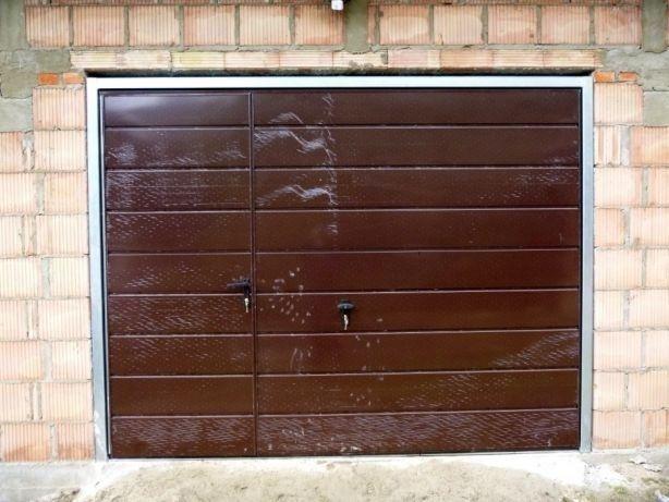 Brama garażowa BRAMA UCHYLNA dostawa i montaż BRAMY GARAŻOWE producent