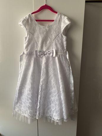 Biała sukienka na 10 lat