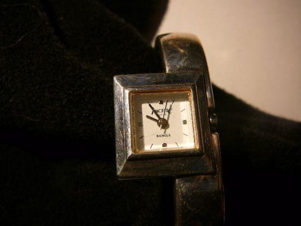Bransoletka, zegarek i inna biżuteria