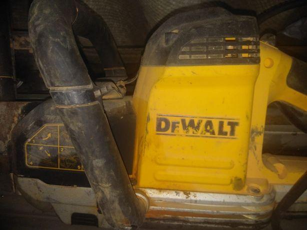 Máquinas de corte tijolo com avaria