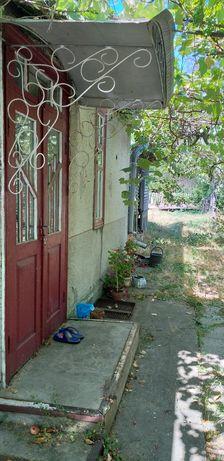 Продам половину будинку в центрі міста Бершадь,Вінницької області.