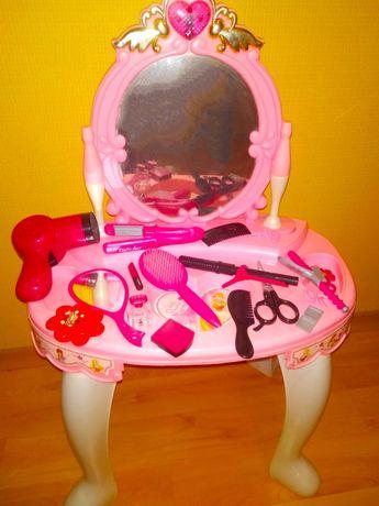 Детское трюмо для принцессы со стульчиком