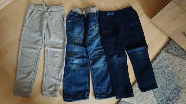 Spodnie chłopięce rozm. 122 - 3 pary
