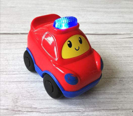 Mały samochodzik wydający dźwięki