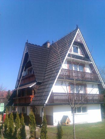 ocieplenie skosów dachowych naprawa izolacji granulatem celulozy