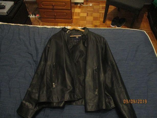 Vendo casaco preto