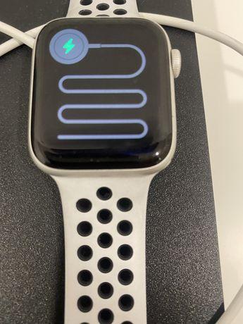 Vendo apple watch nike series 6 44mm prateado