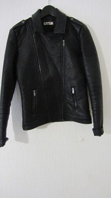 Куртка женская , 36 европейский размер, рост 176