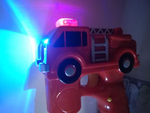 Пожарная машина -пистолет с мыльными пузырями.