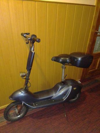 скутер електричний