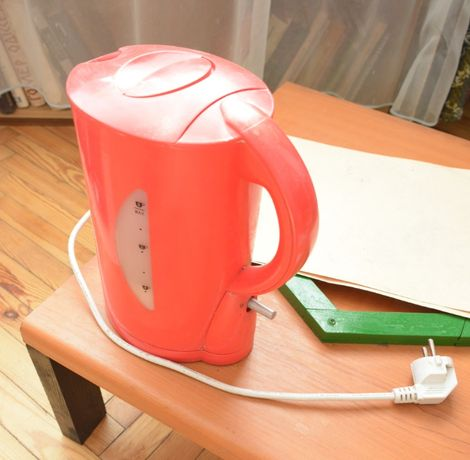 Електрочайник, электрочайник, электрический чайник робочий