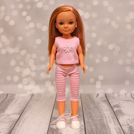 Hiszpańska lalka Nancy Famosa 42cm w trampkach