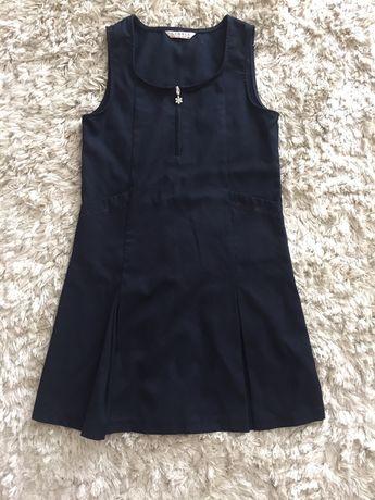 Granatowa sukienka r. 122-128 szkola