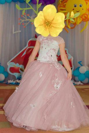 Продам красивое выпускное нарядное платье на девочку