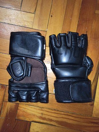 Продам перчатки ММА Venum