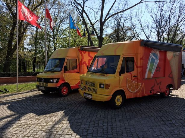 Food Truck mercedes 308D gastronomiczne lody gofry