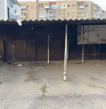 Продам место на стоянке на Таирова