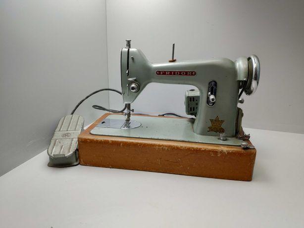 Zabytkowa maszyna do szycia Fridor 300