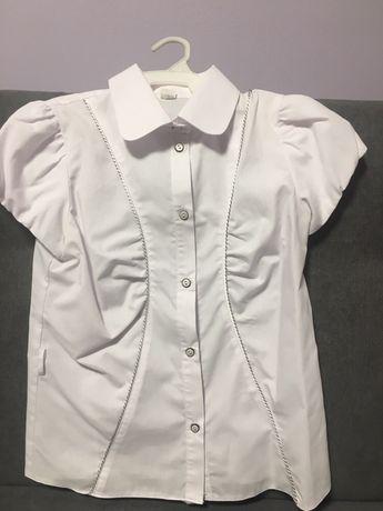 Продам школьную блузу на девочку