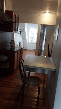 Mieszkanie 3 pokoje dla firm (9-osobowe) 225 zł