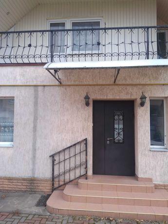 Сдам двухэтажный дом в районе старого центра для семьи с ребёнком
