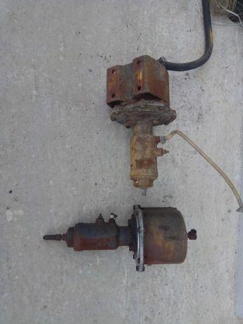 Pompa hamulcowa z serwem do ładowarki Ł34 HSW Stalowa Wola